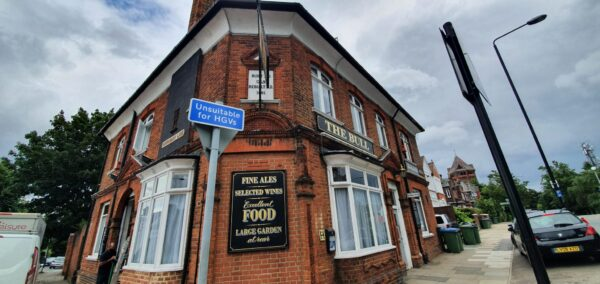 The Bull Pub - Shooters Hill 10